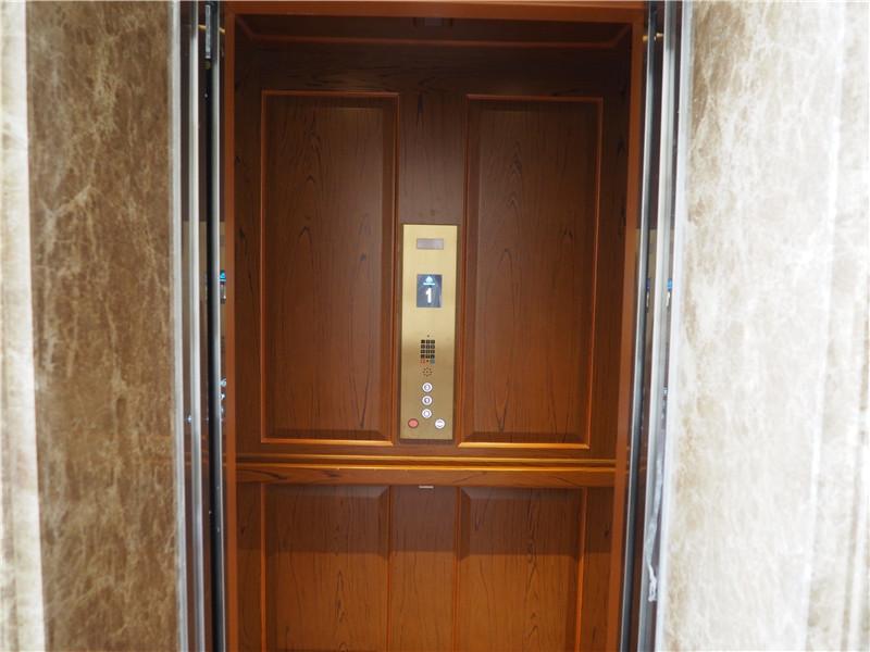 【商丘信华城别墅】贾总—— 对于价格,我更看重的是蒂森克虏伯别墅电梯给我提供的安全
